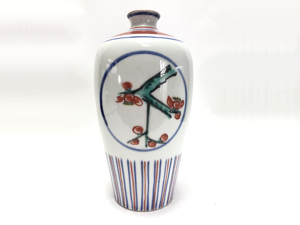 富本憲吉「色繪梅竹瓶」
