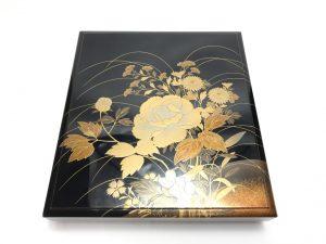 【漆器・蒔絵】象彦「牡丹花々図硯箱」を買取り致しました。