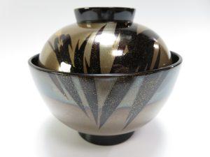【漆器・蒔絵】輪島慶塚「松笠形銀地の蒔絵吸物椀」を買取り致しました。