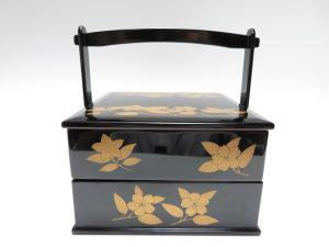 【漆器・蒔絵】中里燾「手提重箱」を買取り致しました。