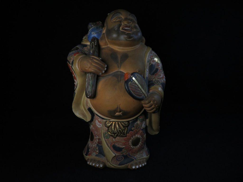 【陶磁器】無銘「金彩色絵九谷焼布袋象」を買取致しました。
