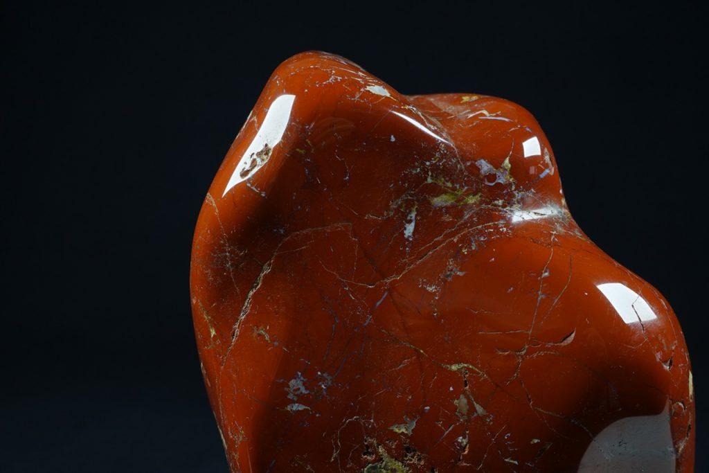 【水石、観賞石】 「佐渡赤玉石」を買取り致しました。