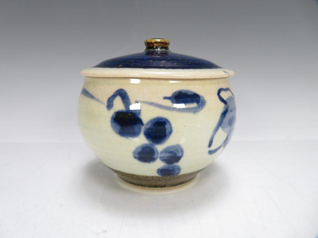 【人間国宝】近藤悠三「山ブドウ飾壺」を買取致しました。