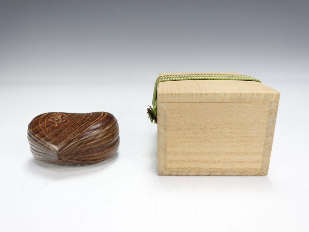 【香合】祥桑軒 川本光春 「桑彫栗香合」を買取り致しました。