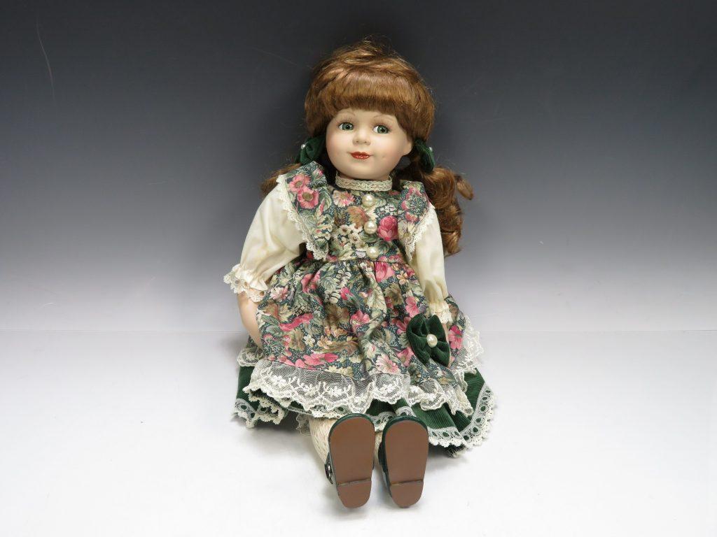 ビスクドール 陶磁器人形