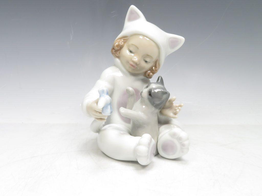 リアドロ 『少女と猫』 陶器人形