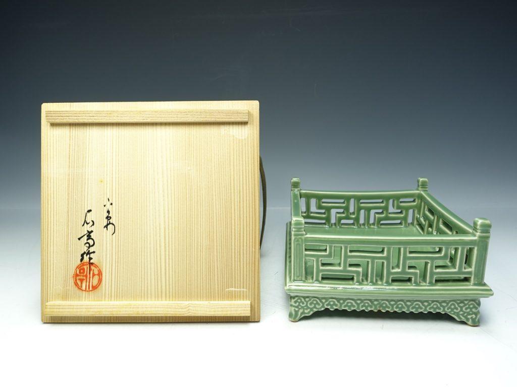 【茶道具 その他】松本石亭 『卍崩透彫爐座』を買取り致しました。