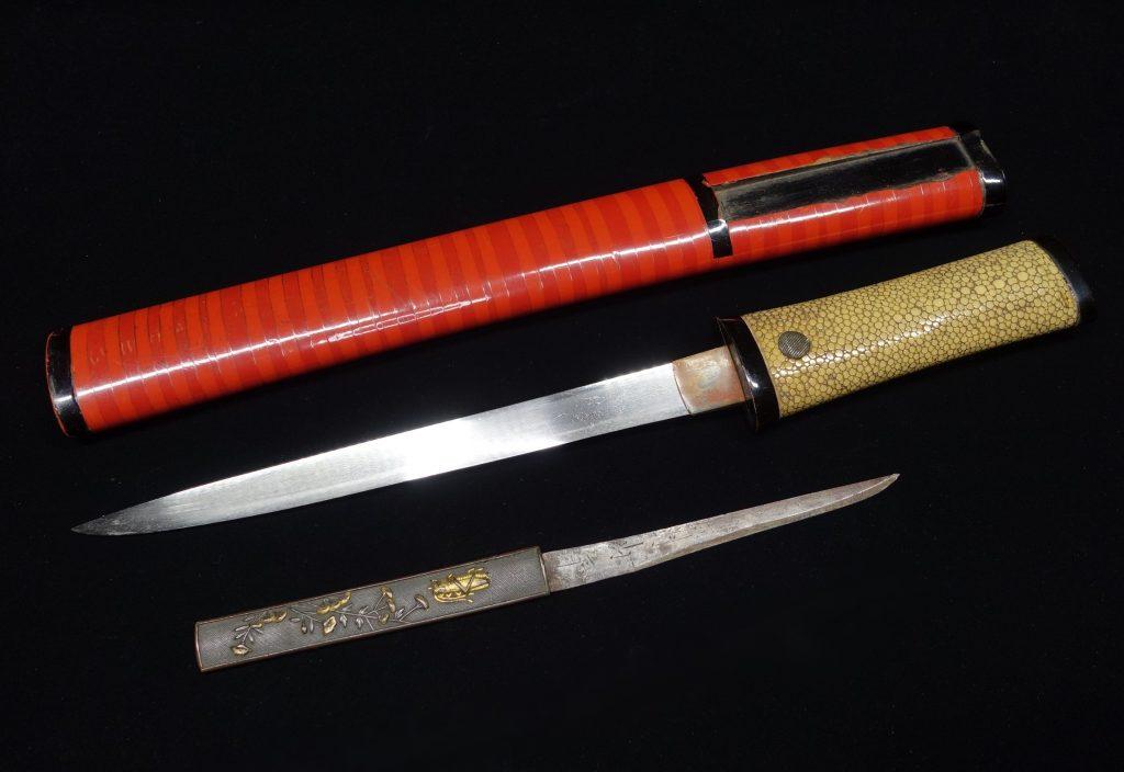 【刀剣】無銘「蟋蟀図象嵌赤鞘拵合口 】を買取り致しました。