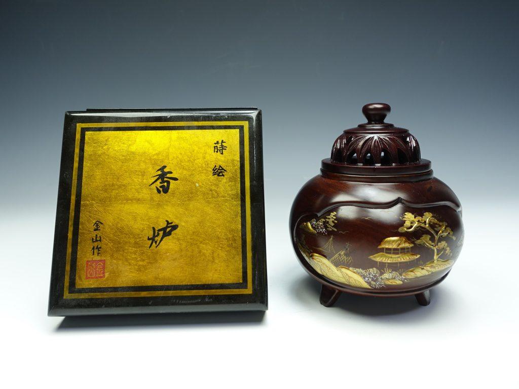 【茶道具】金山「紫檀山水蒔絵三足香炉」を買取致しました。