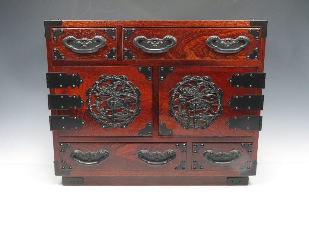 【時代箪笥】鉄器飾金具欅箪笥を買取り致しました。