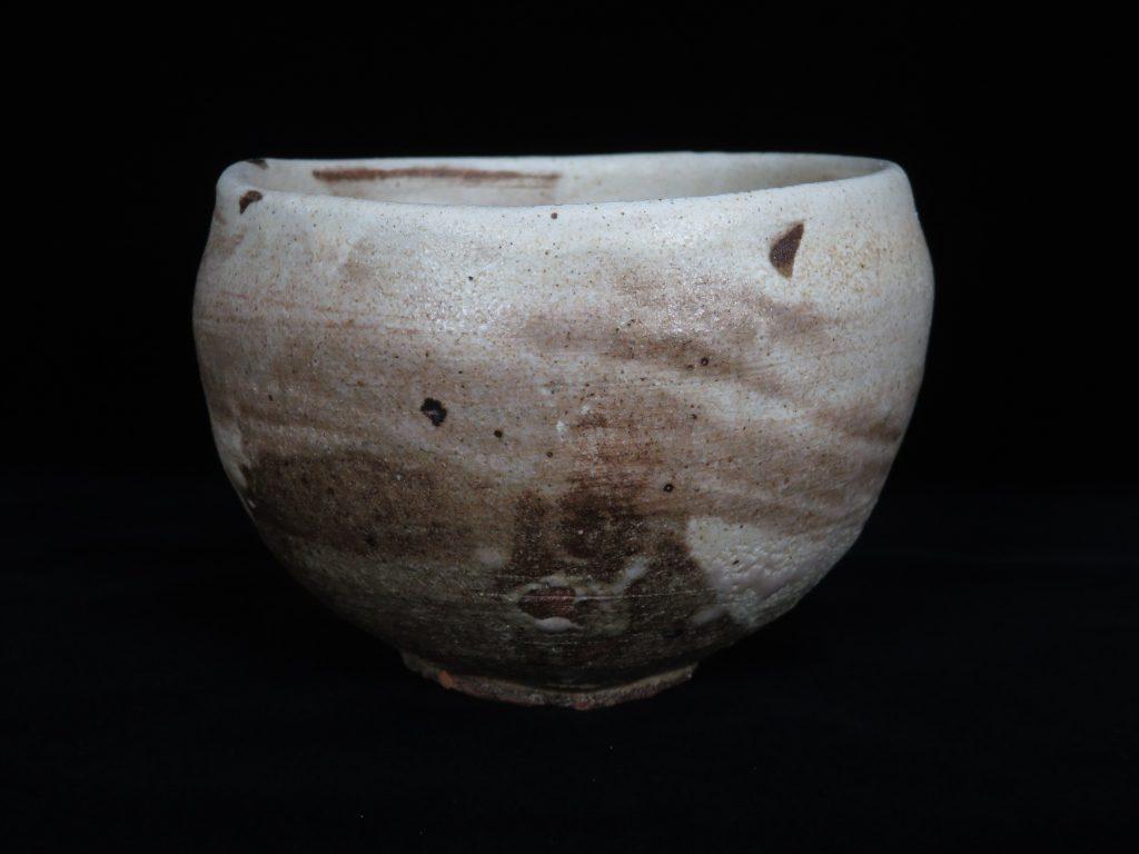 【陶磁器・作家物】吉田喜彦 作 刷毛目茶碗を買取致しました。