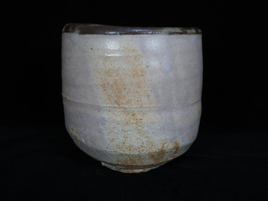 【陶磁器・作家物】吉田喜彦 作 志野筒茶碗を買取致しました。