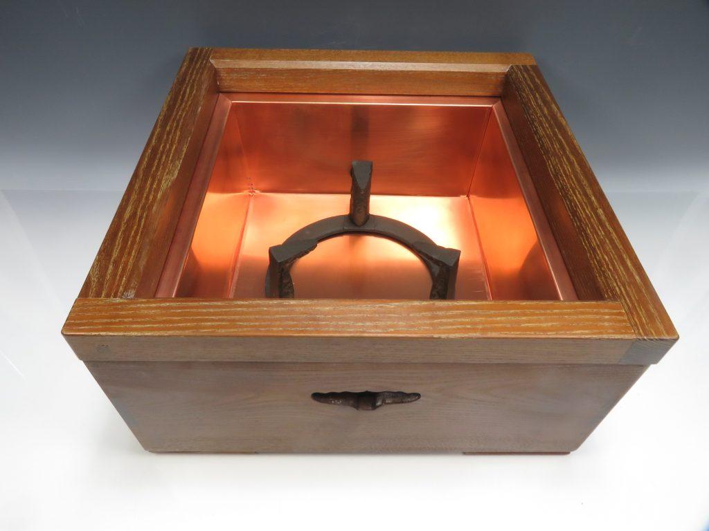 【茶道具・その他】木製 置炉を買取り致しました。