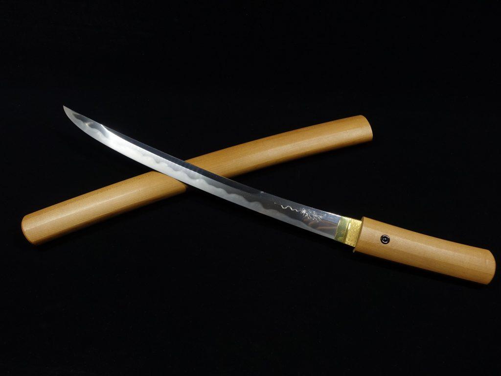 【刀剣】備前長船住横山祐包「梵字刀身彫白鞘脇差」を買取り致しました。