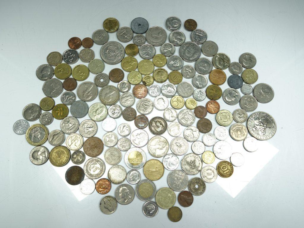 【古銭・切手 その他】 外国硬貨 イギリス フランス カナダ などを買取り致しました。