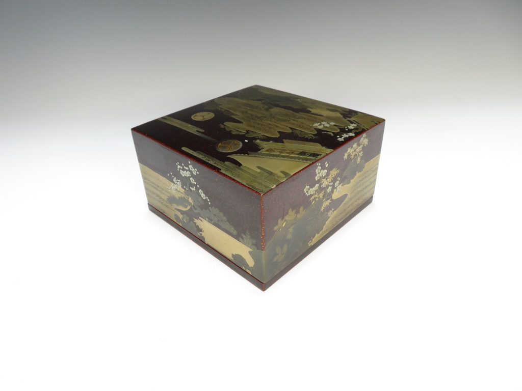 【漆器・蒔絵】無銘「御所庭園 梅に鶯蒔絵宝石箱」を買取り致しました。