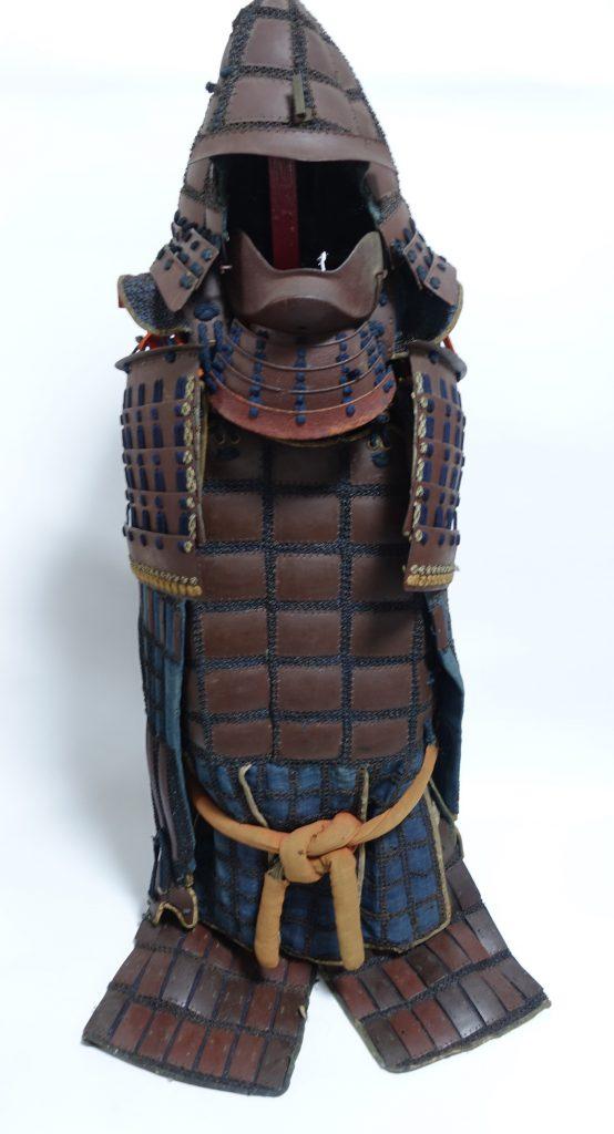 【武具・甲冑 その他】「足軽鉄地甲冑」を買取り致しました。