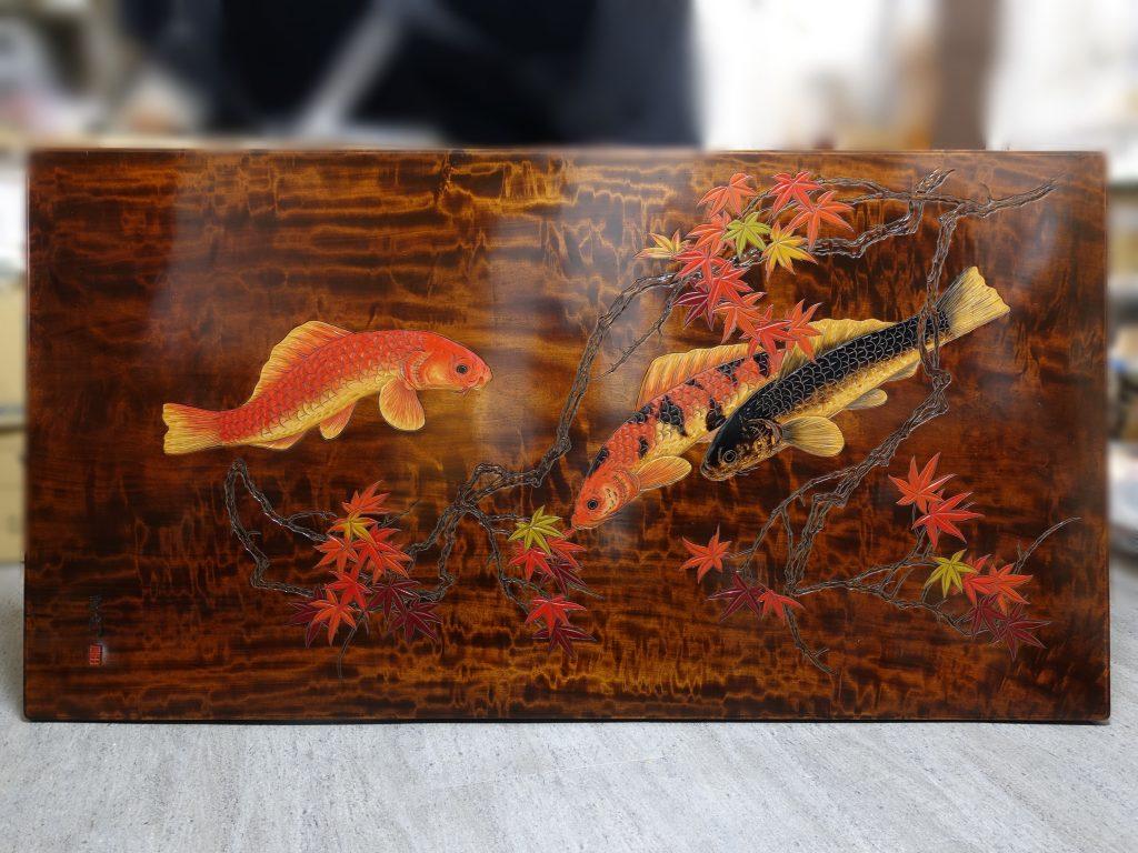 【骨董品】一枚板鯉彫座卓を買取致しました。