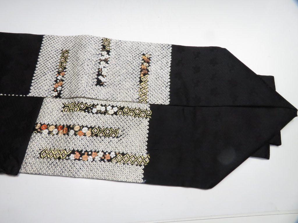 【帯】 絞り花刺繍黒地名古屋帯を買取り致しました。