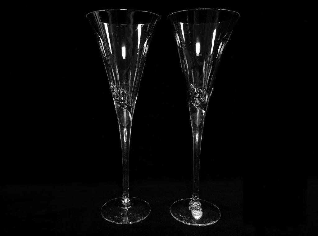 【西洋美術】orrefors(オレフォス)リーフワイングラスを買取致しました。