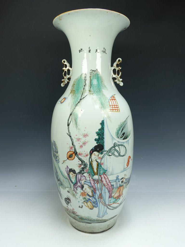 【中国磁器】中国古玩「双耳大花瓶」を買取り致しました。