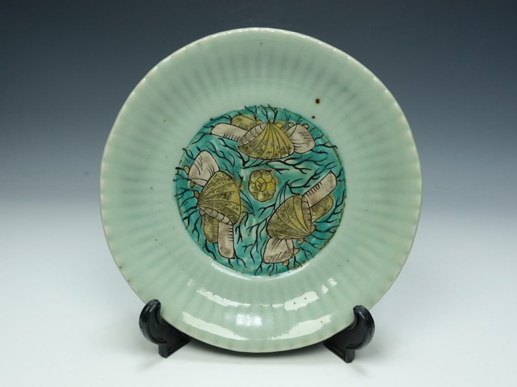 【古陶磁器】無銘「古伊万里 青磁小皿」を買取致しました。