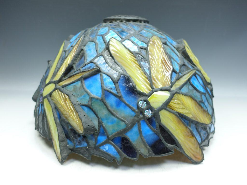 【西洋美術】無銘「ステンドグラス・トンボモチーフ」を買取致しました。