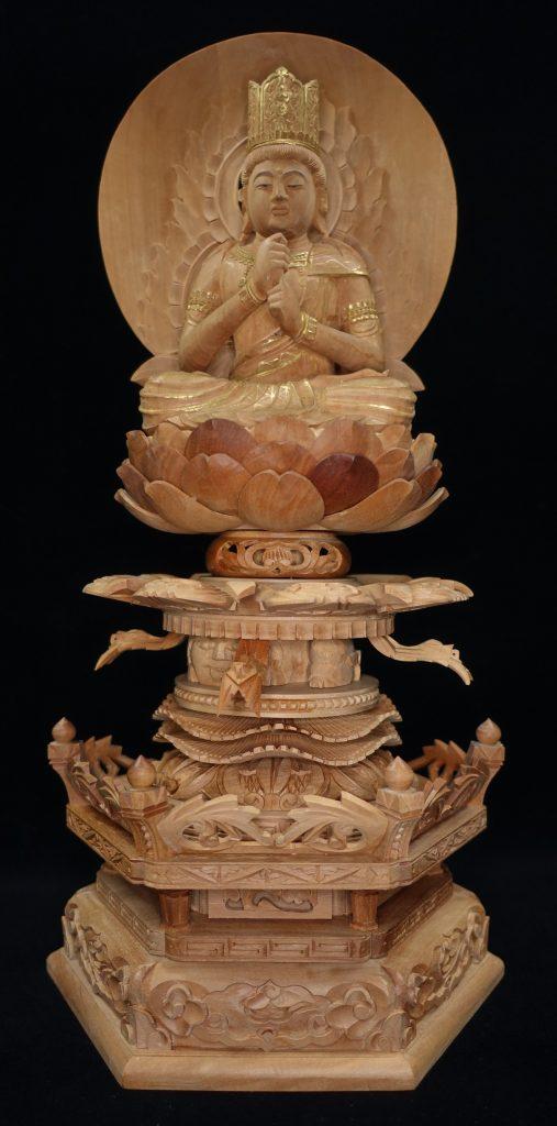 【香木彫刻】 仏像 「白檀彫 大日如来」を買取り致しました。