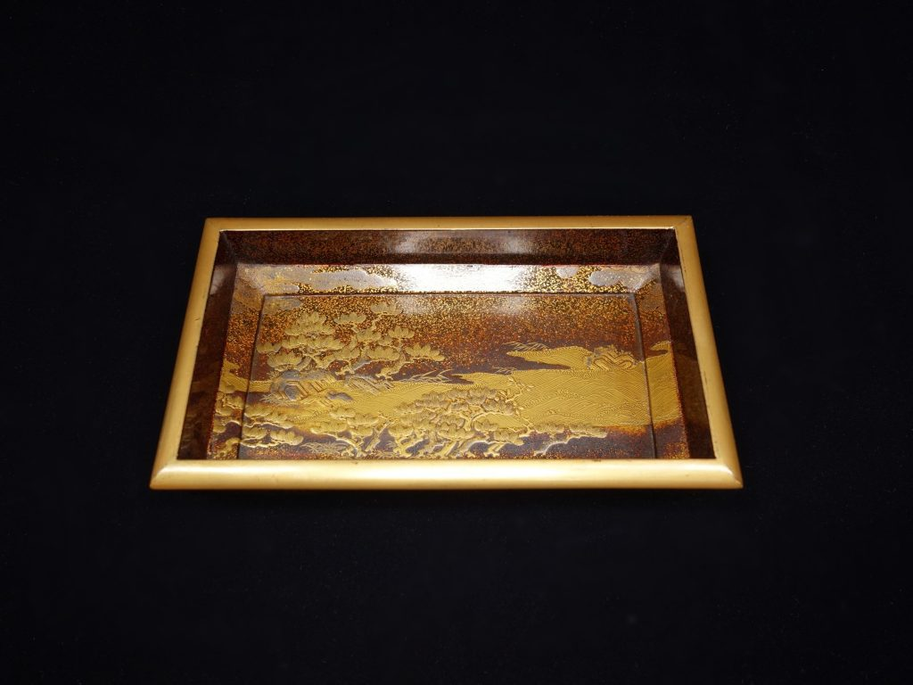 【漆器・蒔絵】 無銘「波に竹の図 四方箱」を買取り致しました。