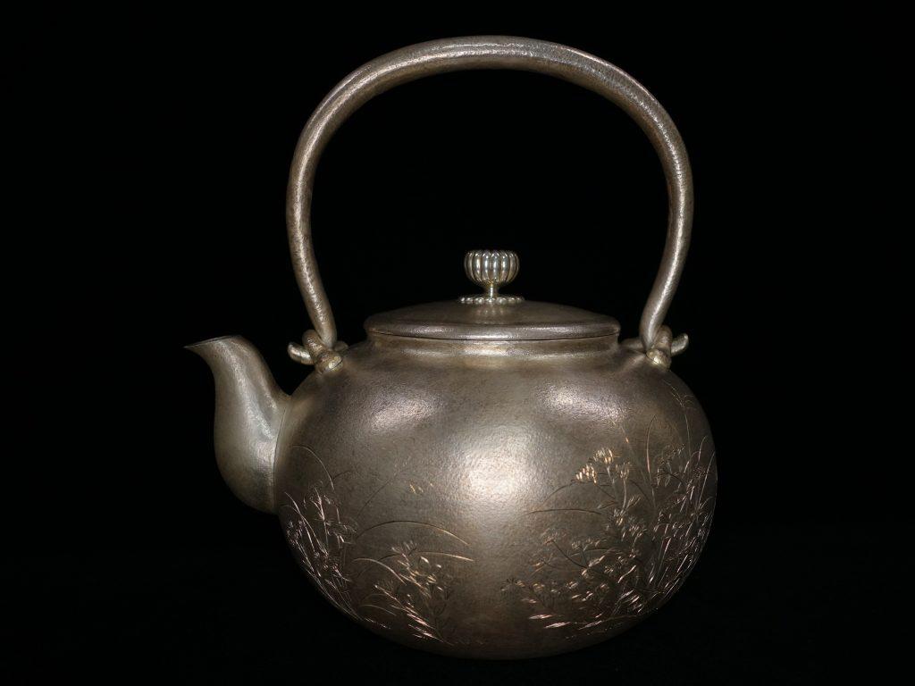 【鉄瓶・銀瓶】二世 秦蔵六「白銀湯瓶」を買取致しました。