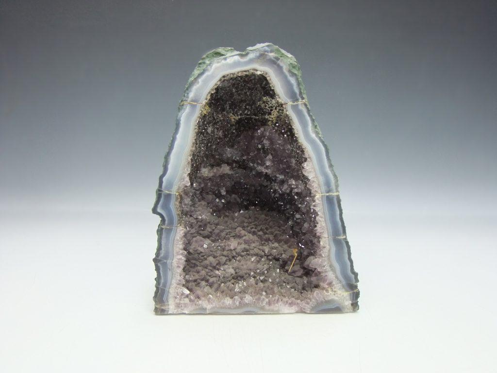 【鑑賞石・水石】アメジスト原石「アメジスト ドーム 」を買取致しました。