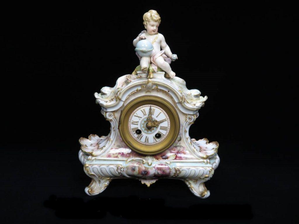 【西洋美術】KPMベルリン 陶器人形時計を買取致しました。