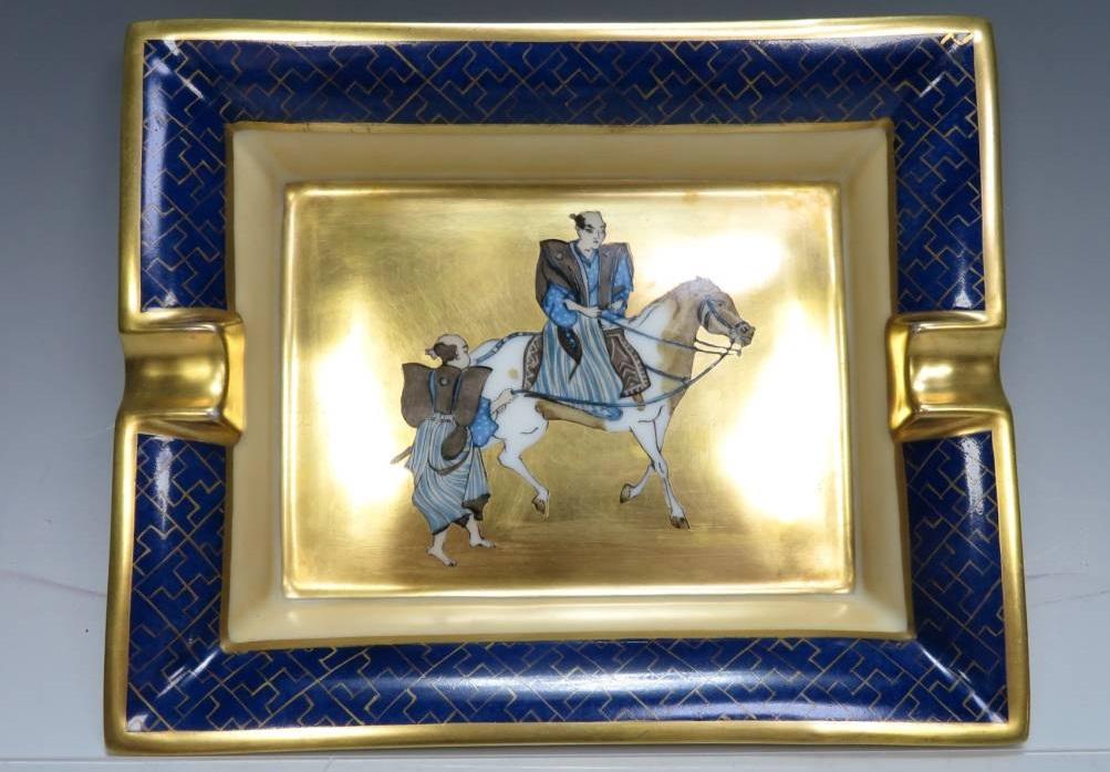 【西洋美術】エルメス「武士乗馬図 金彩灰皿」を買取致しました。