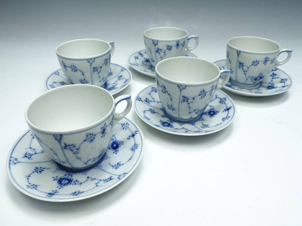 【西洋美術】ロイヤルコペンハーゲン「ブルーフルーテッドプレイン カップ&ソーサー」を買取致しました。