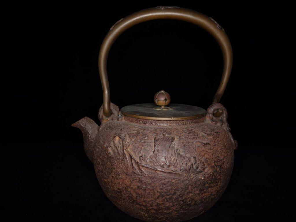 【鉄瓶】亀文堂「山水宝船地文鉄瓶」を買取致しました。
