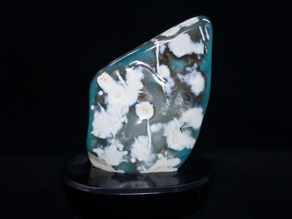 【鑑賞石】瑪瑙石「ブルーアゲート」を買取致しました。