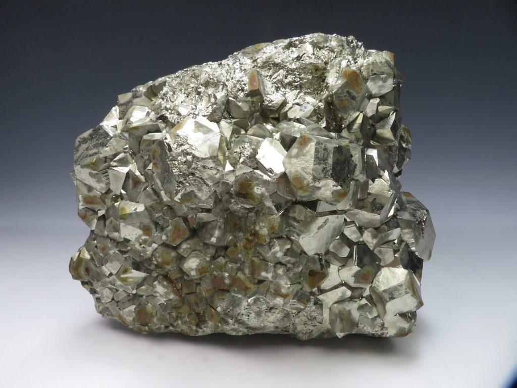 【鉱石】パイライト結晶を買取り致しました。