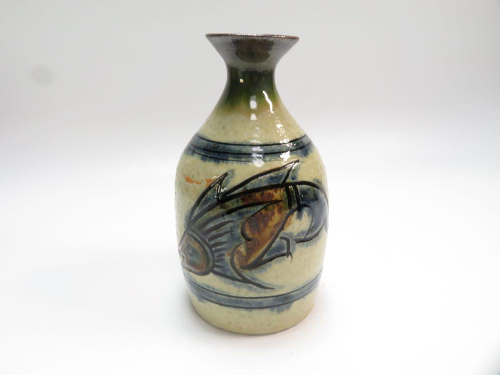 【人間国宝】金城次郎「壺屋焼魚紋徳利」を買取致しました。