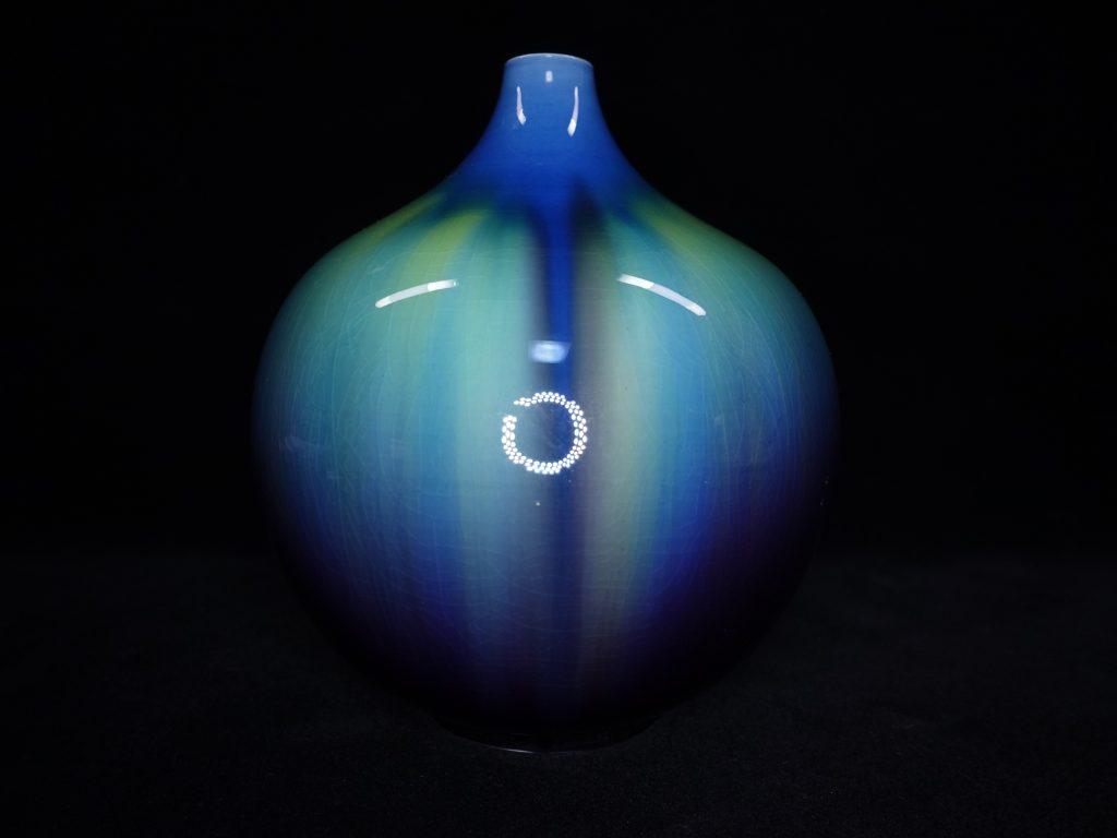 【人間国宝】三代 徳田八十吉「碧彩釉壺」を買取致しました。
