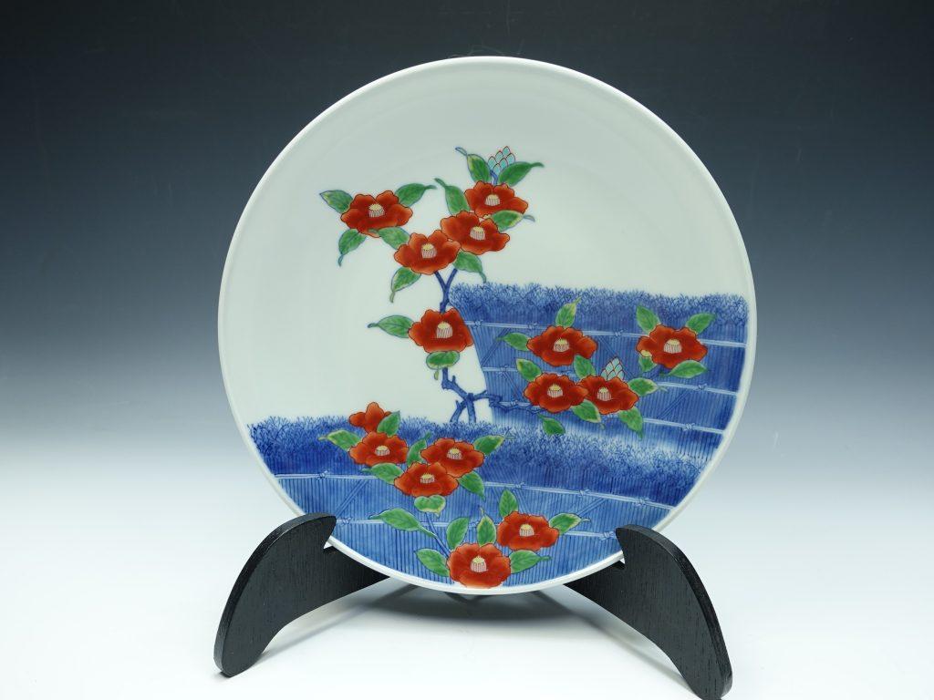 【作家物 磁器】 十四代 今泉今右衛門「色鍋島椿絵額皿」を買取り致しました。