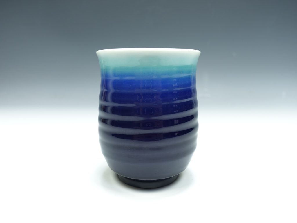 【人間国宝】三代目 徳田八十吉「碧明釉 湯呑」を買取致しました。