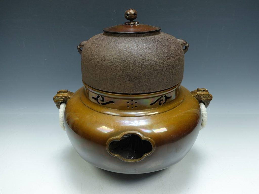 【茶道具 その他】橋本辰敏「唐銅鬼面風炉」を買取り致しました。