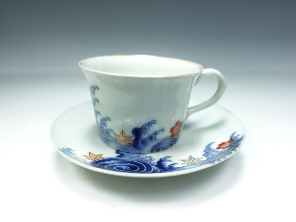 【作家物 磁器】十二代 今泉今右衛門「錦立波花画紅茶五客揃」を買取り致しました。