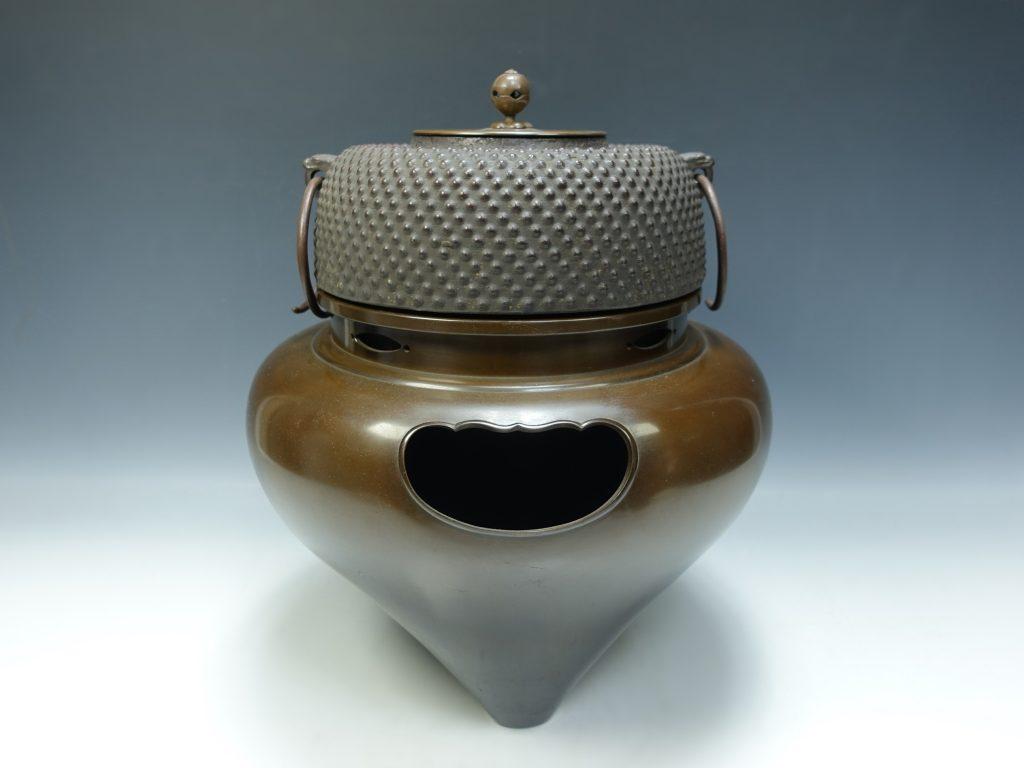 【釜】叢晶「利休好唐銅琉球風炉」を買取致しました。