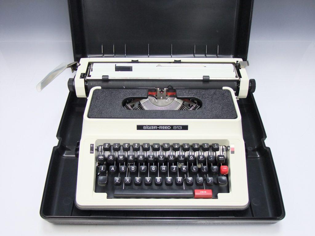 【骨董品・その他】SiLVER REED 813「タイプライター」を買取致しました。
