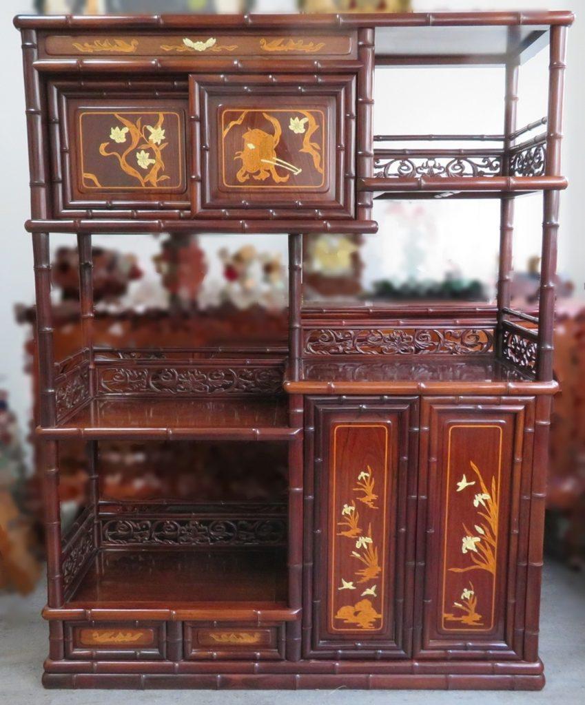 【茶棚・飾り棚】 「竹紋彫刻茶棚」を買取り致しました。