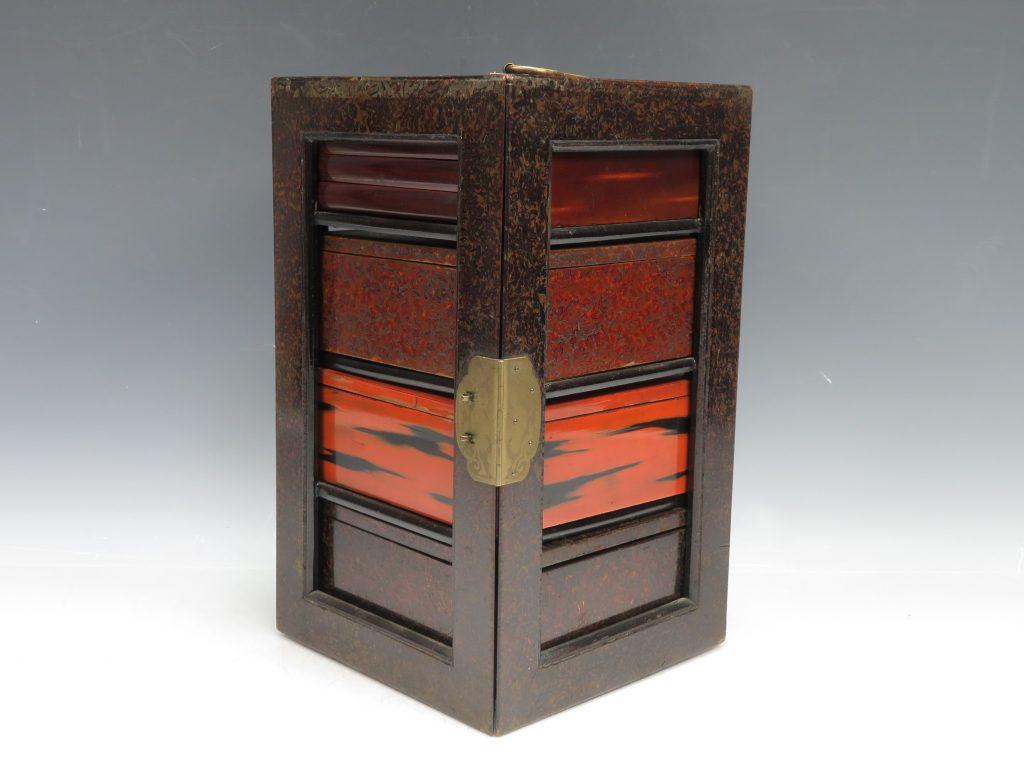【骨董品 その他】「漆器野弁当箱」を買取り致しました。