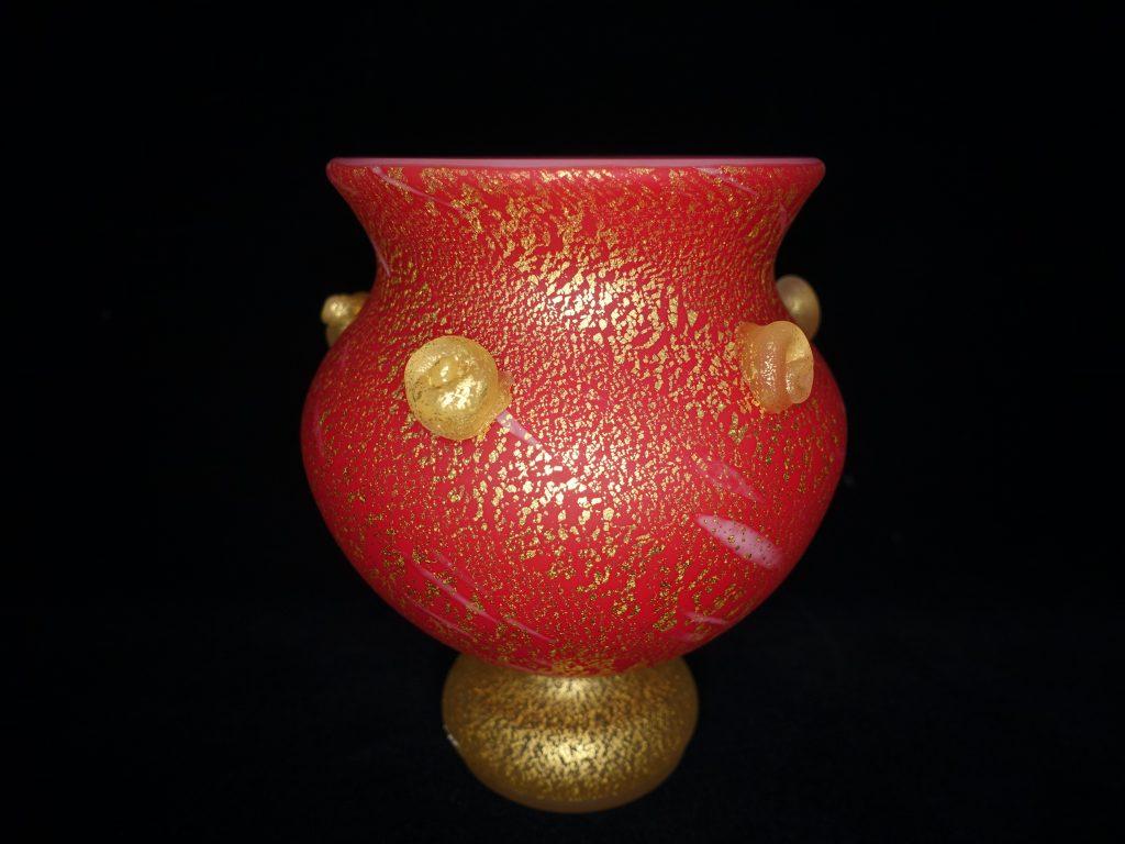 【硝子・切子】岩田久利「緋赤金彩壺」を買取り致しました。