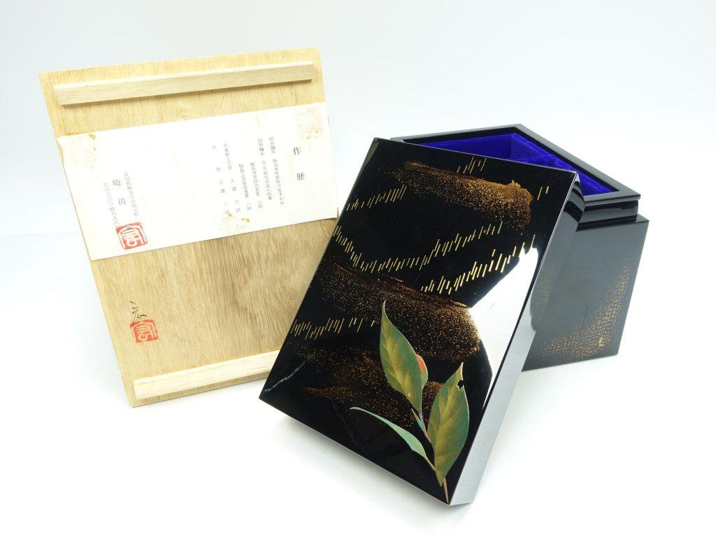 【骨董品・その他】崎田宏 「輪島塗宝石箱」を買取り致しました。