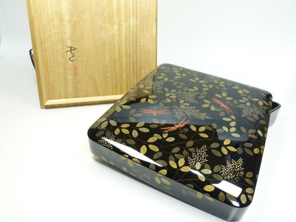 【骨董品・その他】三谷吾一 作 『秋乃野沈金硯笥』を買取り致しました。